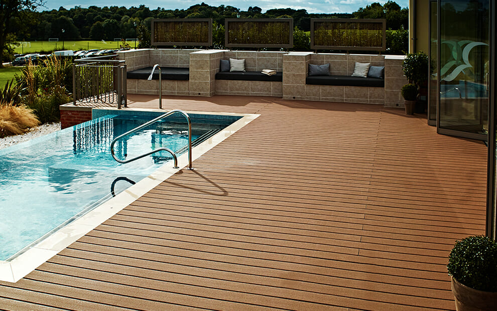 composite-decking-overhead-sand-brown-spa